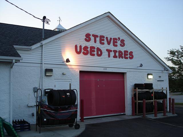 Steve's used tires / Columbus, Ohio. USA - 25 juin 2010.