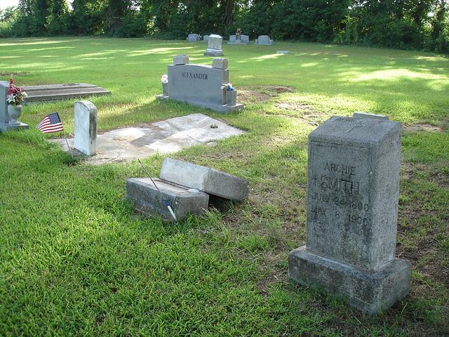 Alexander's area /  Le quartier d'Alexander - Le cimetière de Bastrop / Bastrop's cemetery -  Louisiane, USA. 8 juillet 2010.