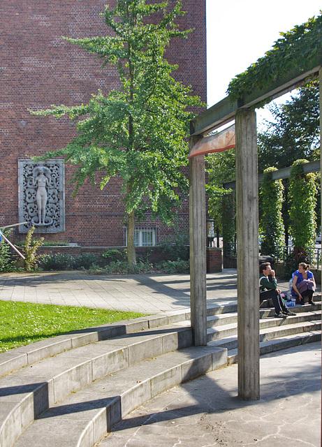 Eingangsbereich der heutigen Hochschule für bildende Künste in Hamburg  HFBK