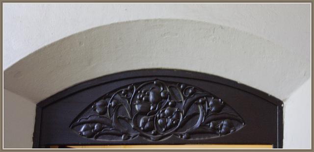 über der Tür der Pförtnerloge