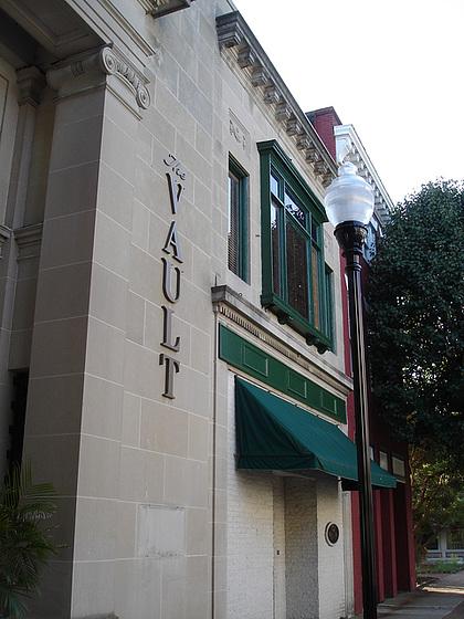 The Vault building / Pocomoke, Maryland. USA - 18 Juillet 2010.