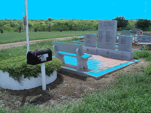 Hranice & St-Joseph's cemeteries - Texas. USA - 5 juillet 2010- Ciel bleu photofiltré