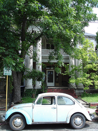 VW /  Le quartier King Williams / King Williams area - San Antonio, Texas. USA - 29 juin 2010.