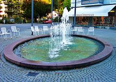 Ovaler  Springbrunnen