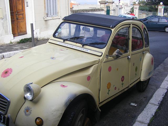 Ce n'est pas une voiture .c'est un art de vivre.A Marseille