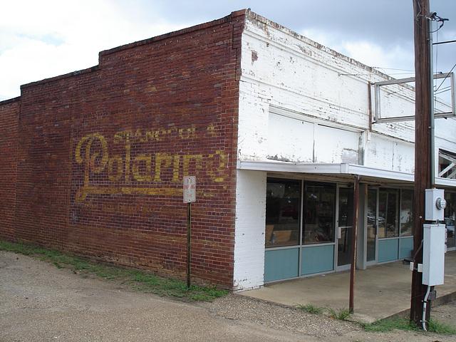 Polarine building /  Bernice, Louisiane. 07-07-2010