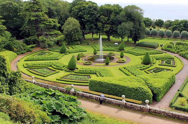 Park Dunrobin Castle.