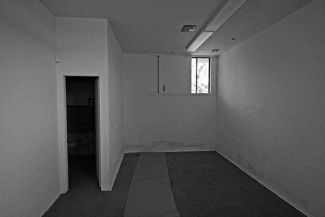 Shulman House Darkroom 10-10-10 (7700A)