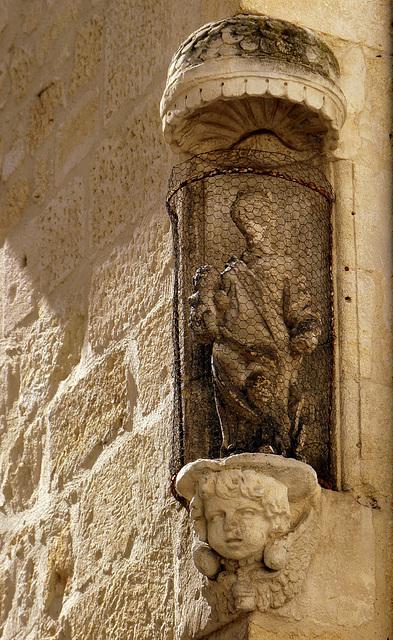 Vierge à l'Enfant emprisonnés