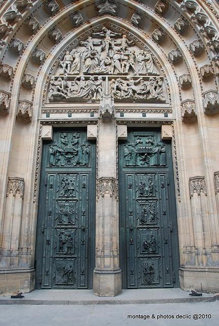 porte d'église ........