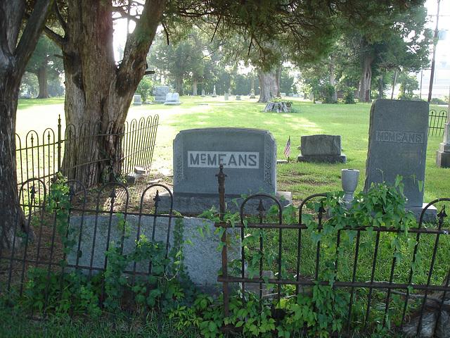 Le cimetière de Bastrop / Bastrop's cemetery -  Louisiane, USA. 8 juillet 2010.