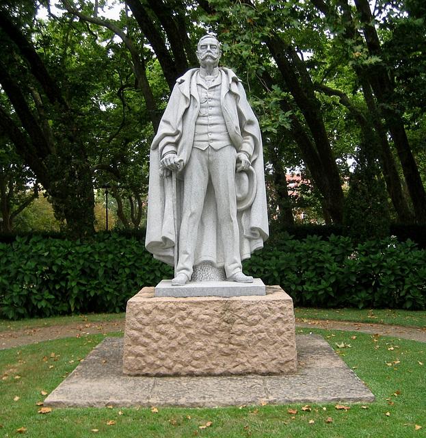 Ramalho Ortigão, sculpture