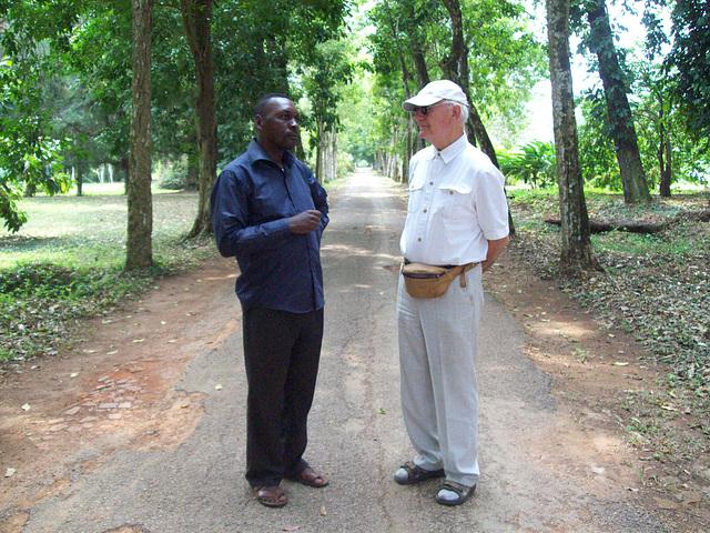Jean Bosco kun Jacques Tuinder che la botanika ghardeno