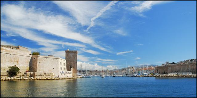 Marseille l'entrée du port