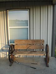 Jacob's HaircutS wheeling bench / Banc sur roues avec coupe de cheveux à la texane