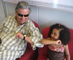 Rafaela and I, elbow's game