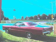 La Plymouth de la Patate à Nanou's - Sherrington, Qc.  CANADA. 13 juin 2010 - Ciel bleu photofiltré