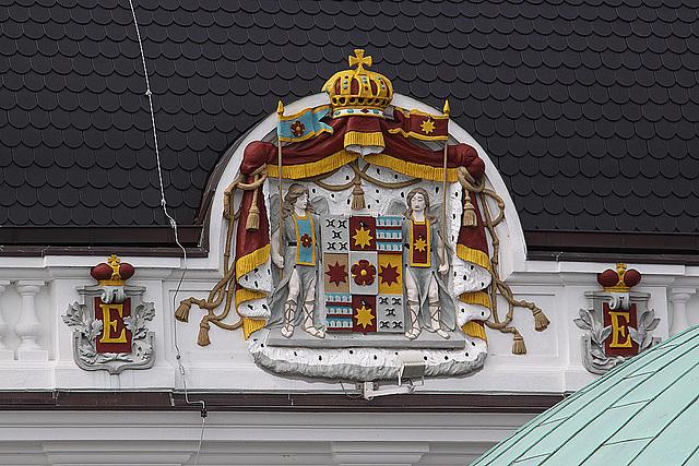 20100805 7390Aw [D~LIP] Fürstliches Wappen am Kurhaus, Kurpark, Bad Salzuflen
