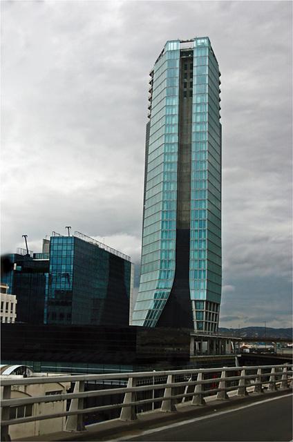 Marseille insolite : le bateau bleu...