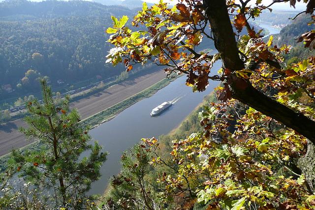 Sonntag - sonniger Herbsttag auf der Bastei
