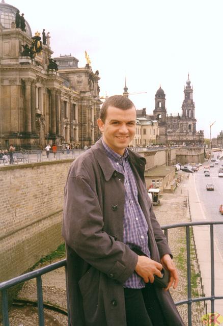 2000-04-18 10 Uwe en Dresdeno