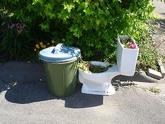 Bol de toilette botanique avec poubelle / Botanical toilet bowl & garbage