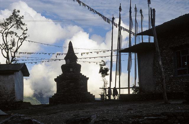 Stupa - über den Wolken