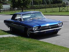 Thunderbird 1966 /  Dans ma ville - Hometown. 14-07-2009