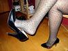 Lady Caliente de Montréal  - Dangle time in black pumps / Dangle en escarpins noirs.