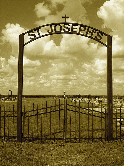 St-Josephs cemetery / Texas. USA - 5 juillet 2010 - Sepia