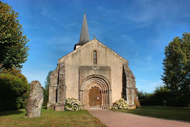 Chapelle et Dolmen