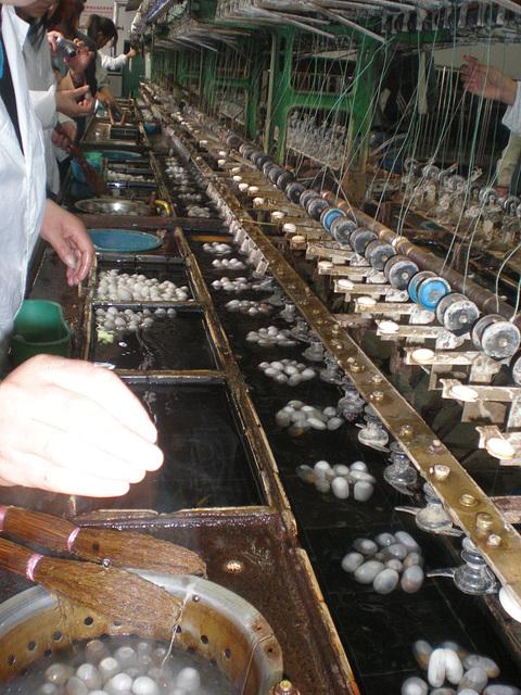 Maquinas para fabricar la seda
