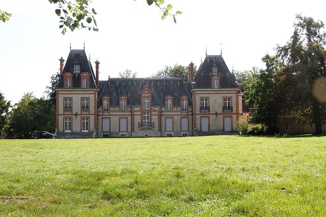 Château de Montcourt-Fromonville