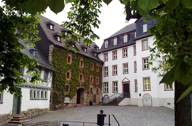Gymnasium, Lotteschule in Wetzlar
