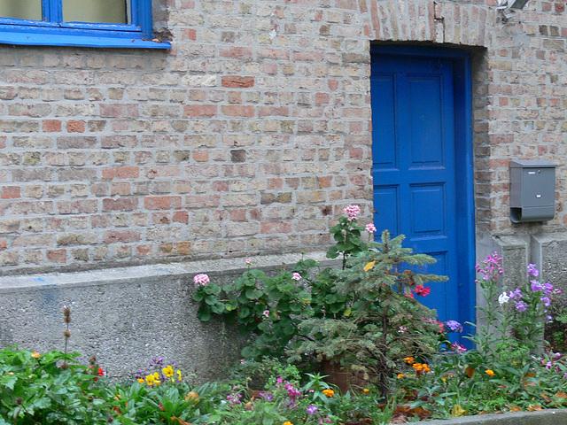 Blumengrüße an der Türe