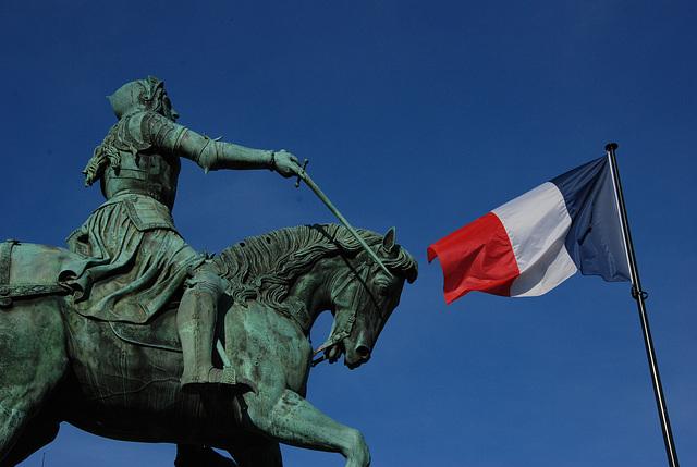 Jeanne d'Arc saluant le drapeau