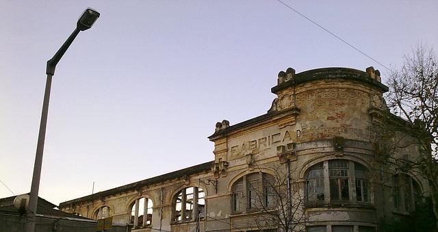Benfica, Factory Simões & Company (1)