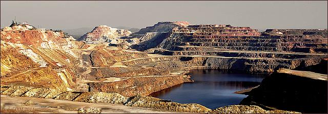 Minas de Rio Tinto, El Cerro colorado