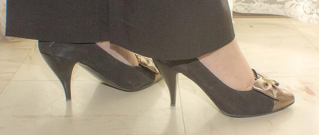 Valériane alias Lady Elido en talons hauts / Lady Elido's high heels - Recadrage