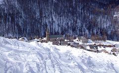 Village .... au fond de la vallée ...
