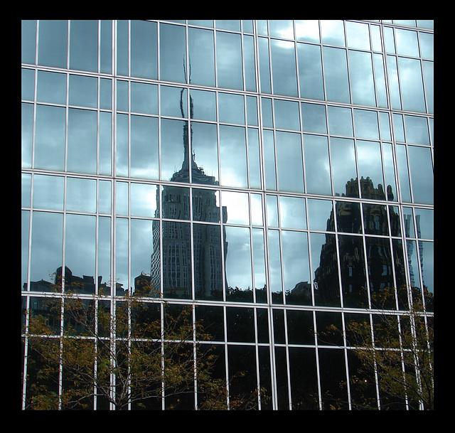 USA reflets d'immeubles dans un autre immeuble