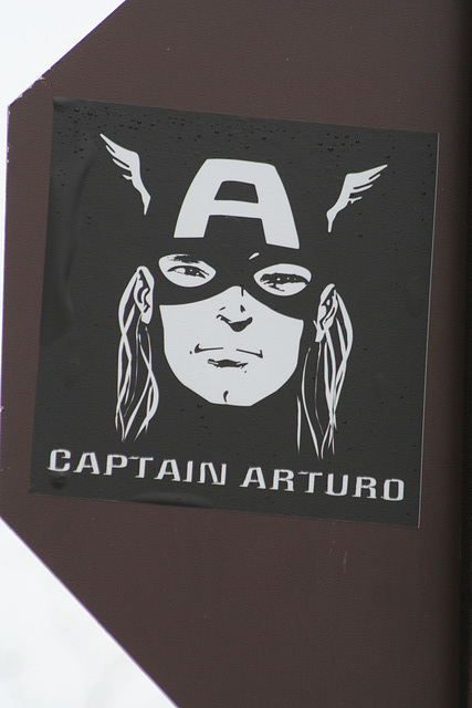 02.CaptainAuturoSticker.NationalMall.WDC.28March2009