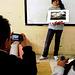 Taizet explicando su foto favorita - Adrián Caldera