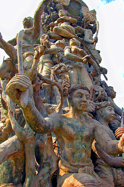 The Great Battle of Yuthahathi อนุสรณ์สถานสงครามยุทธหัตถี
