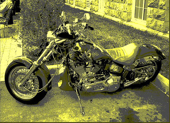 Harley Davidson / Cegep de Rimouski - Québec, Canada. 23 juillet 2005 - Vintage postérisé