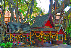 Spirit house in the old market town  ศาลพระภูมิ