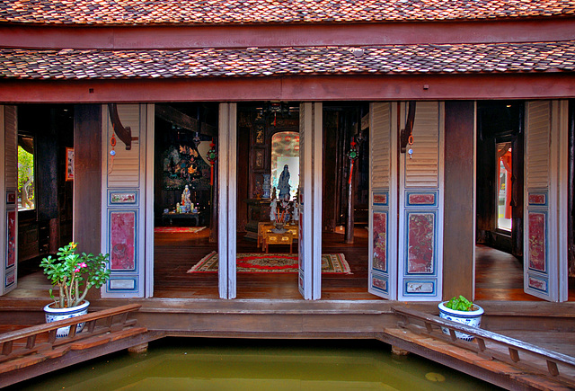 The view into the old Thai noble mansion