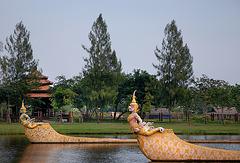 Thai barge bows Sukrip Khrong Mueang ขบวนเสด็จพยุหยาตรา