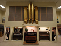 State Street Christian Church Pipe Organ - Functioning (8361)