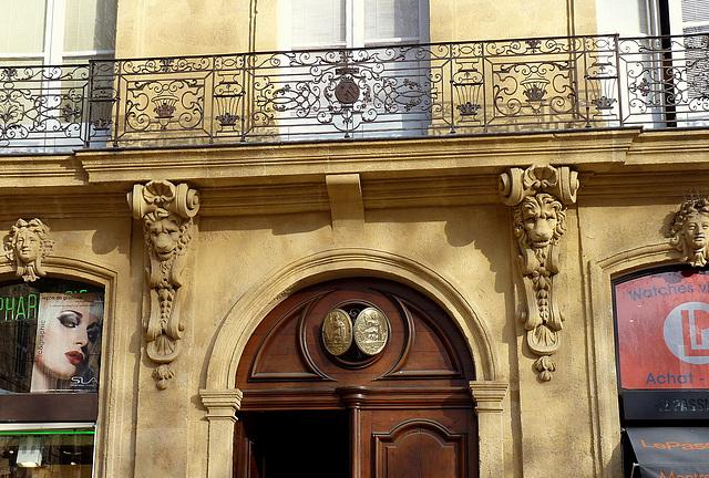 Lions supports de balcon